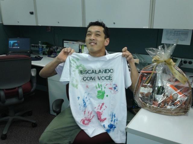 Camiseta de boa sorte feita pelas crianças da ONG VidasFoto: Machado