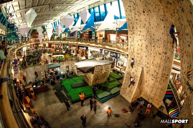 A parede de escalada do Mall Sport !