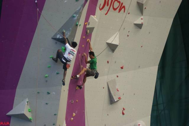 A única foto que eu achei escalando a 2a. via Foto: Manel MG